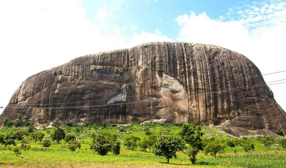 massive-rock-nigeria-landmark